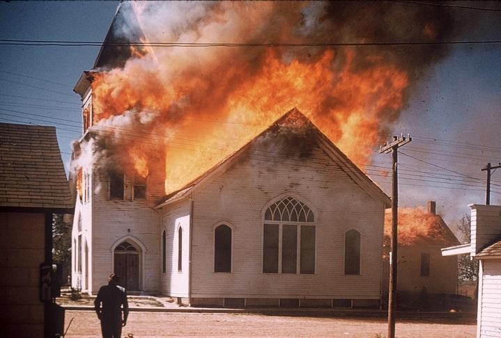 Three La chrches on fire in ten days